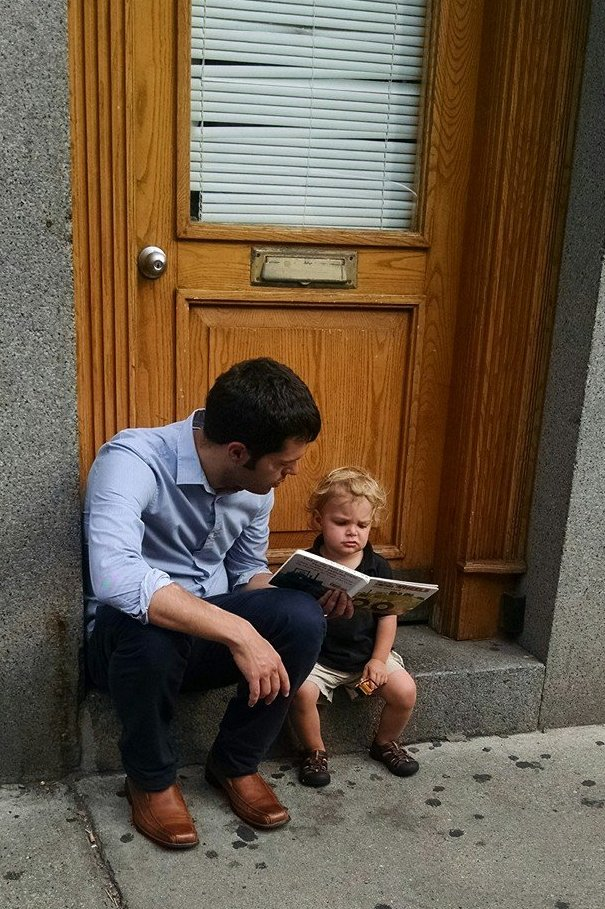 The line was as long as ever, but Soren kept busy by wandering the Freedom Trail and taking rests to read.
