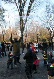 Central Park bubble man