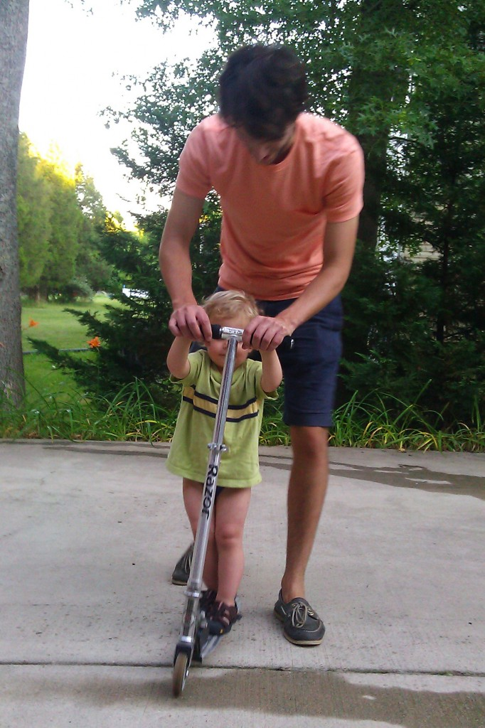 "Uncle Ben (aka""Uh Ben"") gave Soren a lesson in scootering."