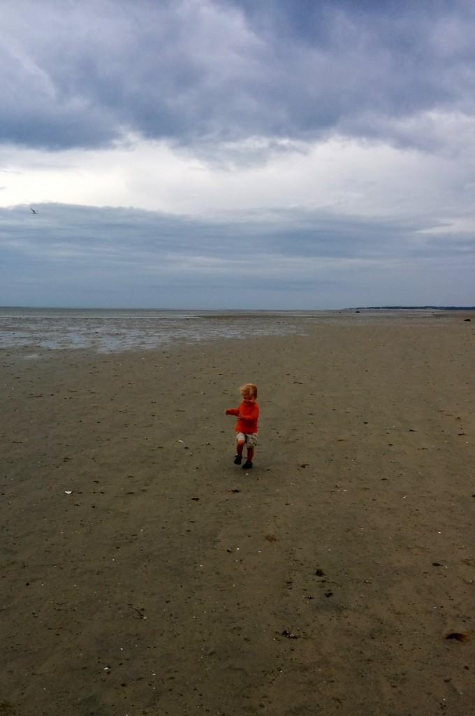 This kid loves a good beach run.