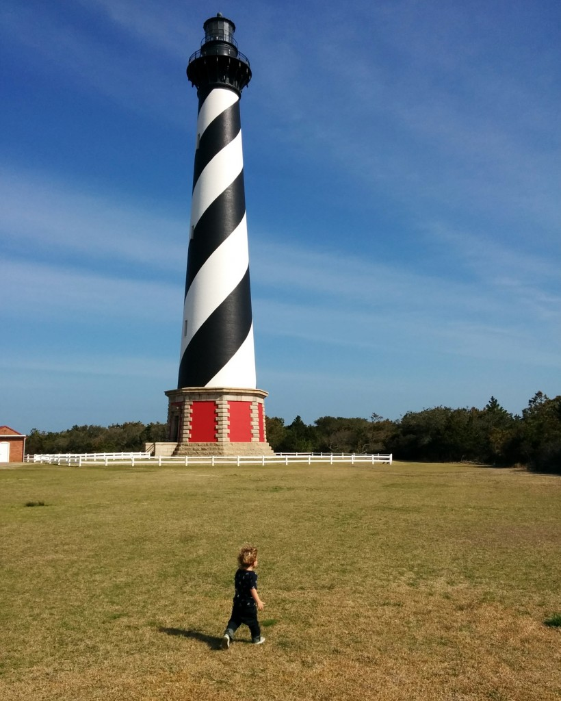 When we come to the beach during the summer I'm never interested in outings that don't involve sitting by the ocean. But during the spring, when it's just too chilly to stay on the sand all day, adventures around town become more appealing. On this afternoon we ran around the Cape Hatteras Lighthouse.